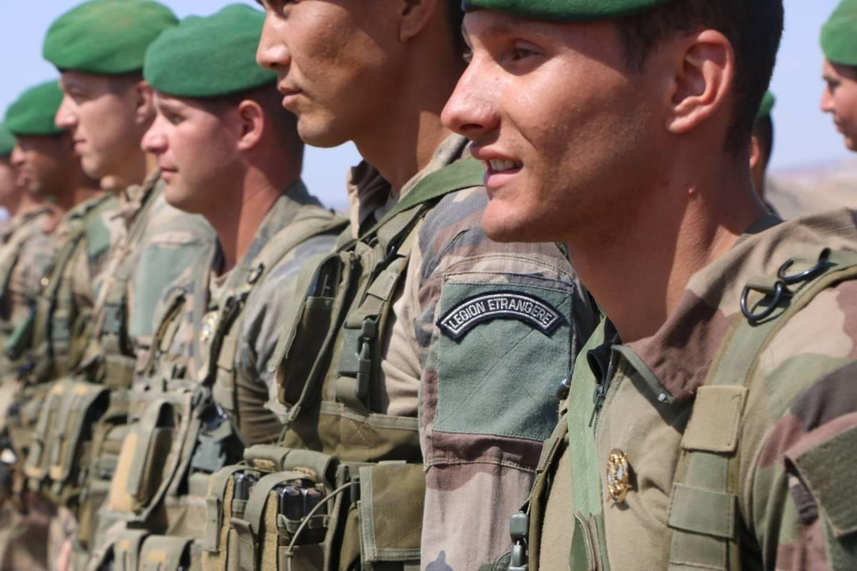 La Légion au LIBAN  des photos Legion-etrangere-la-jeunesse-est-dans-nos-rangs